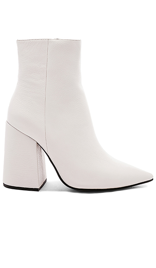 Alias Mae Ahara Bootie in White. - size 36 (also in 38,39,40)