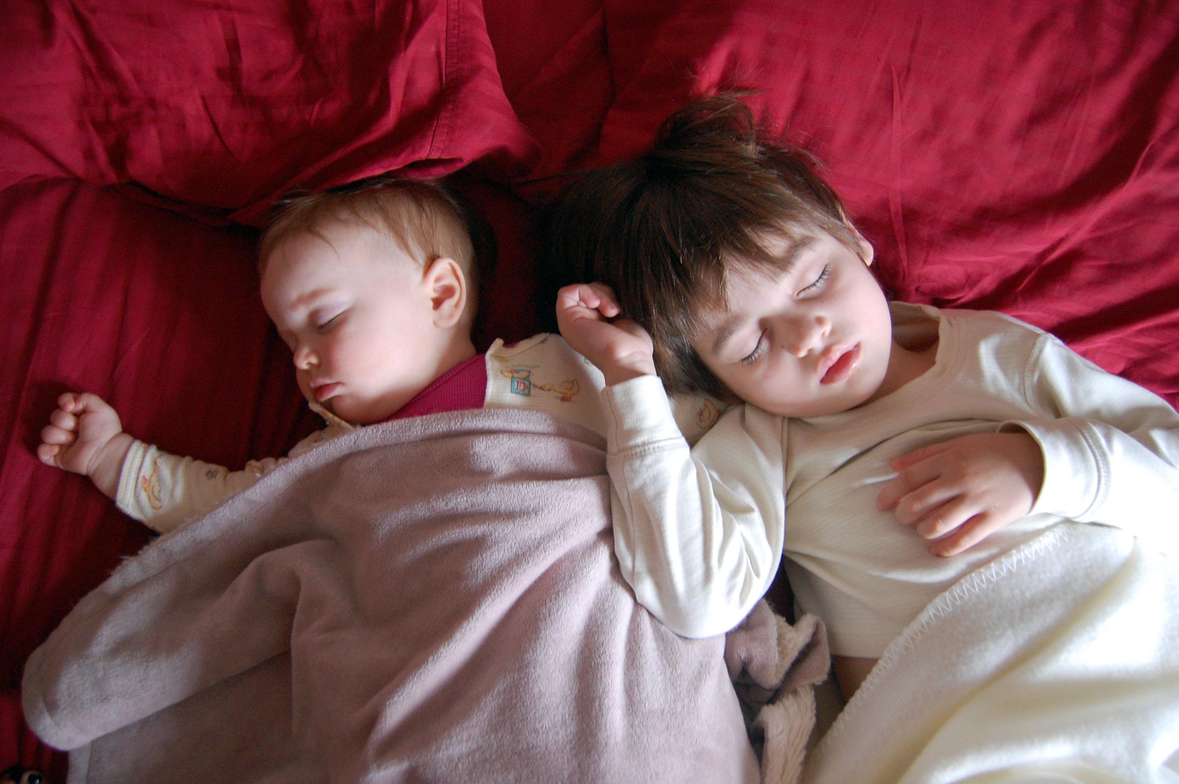 Sleeping Angels The Adventures of Isa  Esme