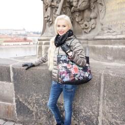 Isabella Mueller . IG @isabella_muenchen
