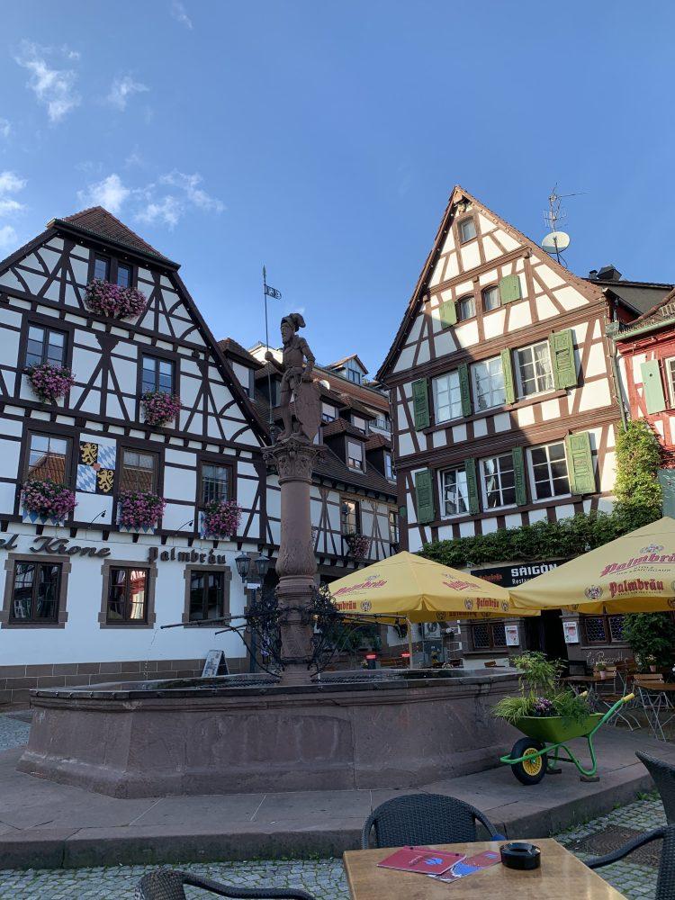 Historischer Marktplatz . Bretten . Marktplatz . Fachwerkhäuser . Melanchthonhaus . Altes Rathaus . IsabellaMueller . @Isabella_Muenchen .