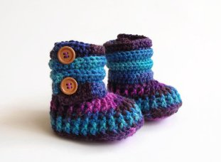 Inese crochet baby boots