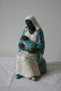 sculpture vierge à l'enfant en raku