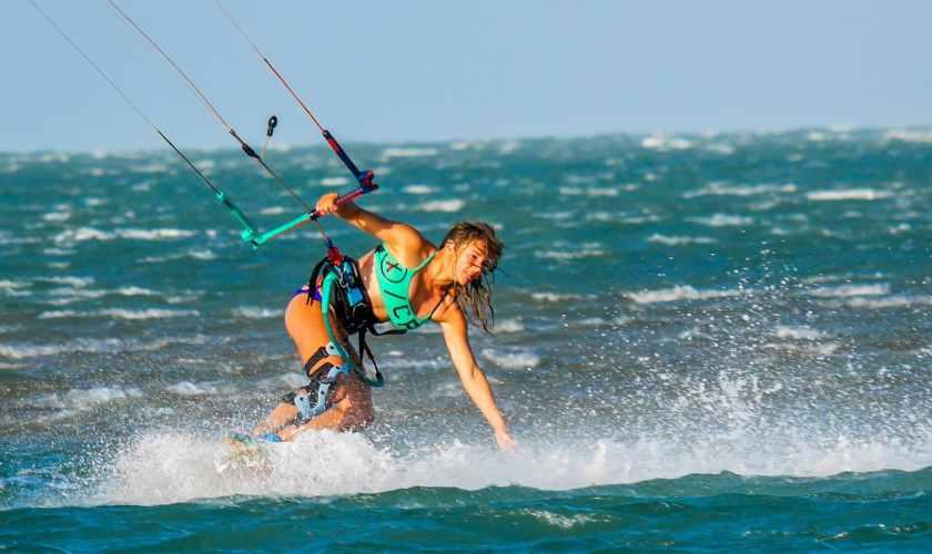 Apprendre le kitesurf kite