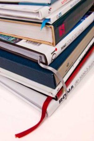 Pile de livres de prestige pour entreprises