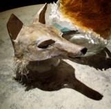 tête de loup, avec poils en papier de soie