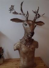 tête de daim , sculpture en papier, adaptable sur mannequin sans tête