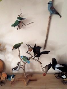 série d'oiseaux en papier .