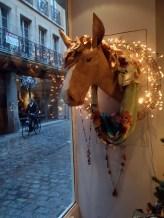 """buste cheval, papier kraft, boutique """"atelier du fennec"""" rue verrerie, Dijon"""