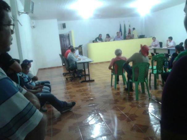 Vereadores recebem denúncia para cassar prefeito de Anajatuba