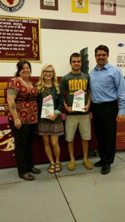 From left to right: Tina Kranz,  Winners Rilea Petersen and Riley Fritz, and Jim Kranz.
