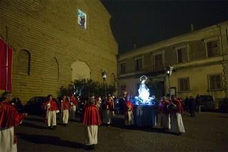 Partenza dalla Collegiata di Santo Stefano. 60° Anniversario della proclamazione di Potenza Picena Città di Maria. Foto di Luigi Anzalone.