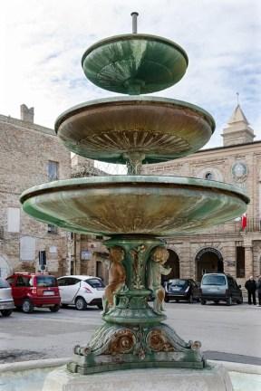 La fontana di Piazza Matteotti oggi. Foto Sergio Ceccotti.