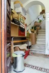 Materiale librario scartato dalla biblioteca e destinato al reciclo.