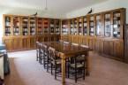 Biblioteca interna del Monastero Benedettine di Santa Caterina in San Sisto a Potenza Picena - Foto Sergio Ceccotti.