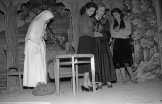 """3. Patacconi Rosanna, Rosciani Germana e Cherubini Anna - Fototeca Comunale """"B. Grandinetti"""""""