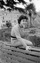 """51. Maria Fratini - Fototeca Comunale """"B. Grandinetti"""""""