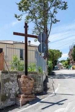 Croce di Viale Sant'Antonio. Foto di Sergio Ceccotti.