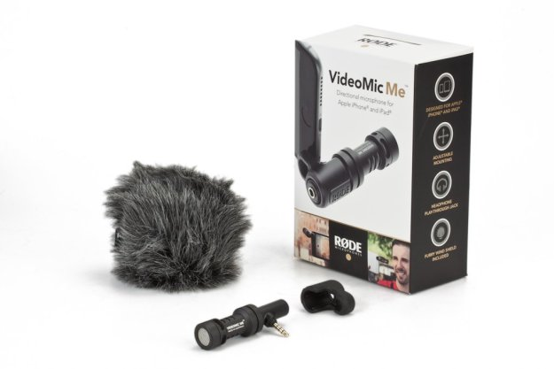 rode-videomic-me-directional-trrs-portable-microphone-for-iphone-and-ipad-with-furry-windshield-and-headphone-monitoring-jack-4