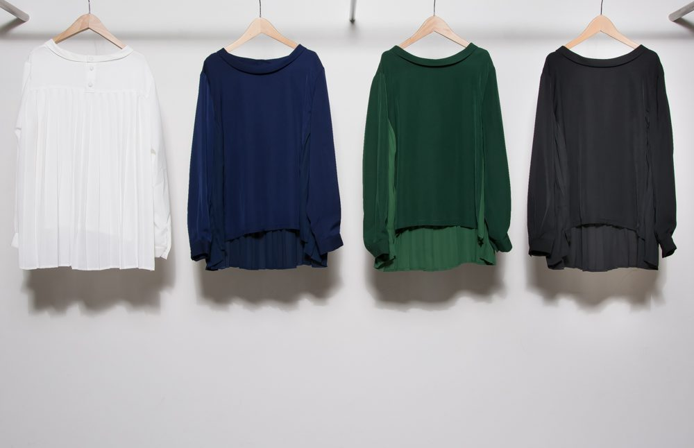 Back pleated blouse