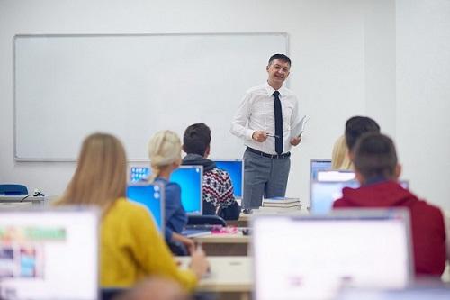 Teachers using AI in education