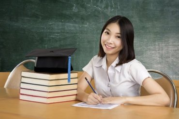 Girl giving the SAT exam