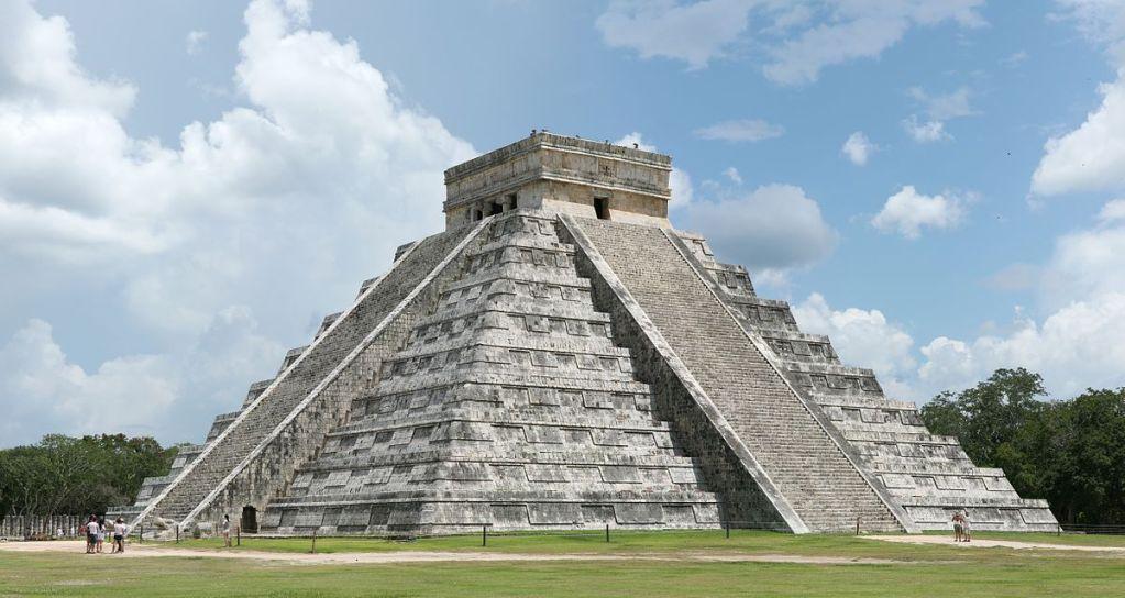 Mayan temple at Chichen Itza
