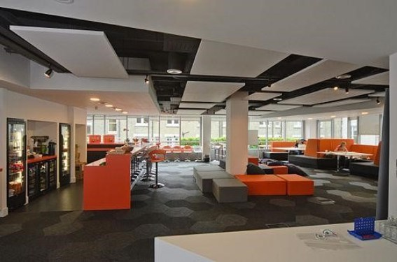 Example of a workplace with a good open plan