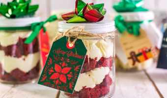 Easy Mason Jar Cake Gifts