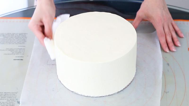 Adding shortening to ganache covered cake