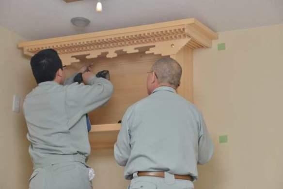 施工例14別誂えの棚板および神棚の取付 棚板の取付