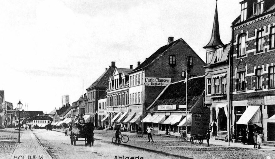 Fotos fra stadsarkivet i Holbæk. Ahlgade i Holbæk 1904