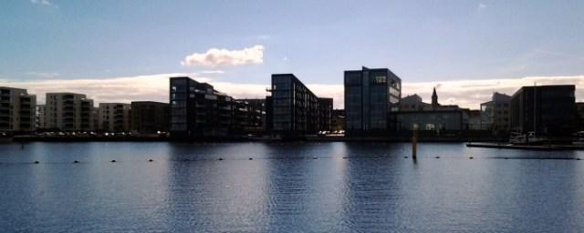 Skyline Holbæk havnefront med højhuse som spærrer for udsigten til byen og til fjorden fra byen...