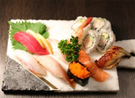 chefs-sushi-combo-plates