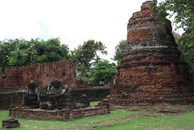 Wat Phra Si Sanphet buddha images