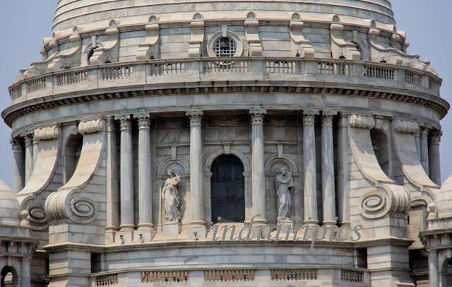 Visit Victoria Memorial Hall facade