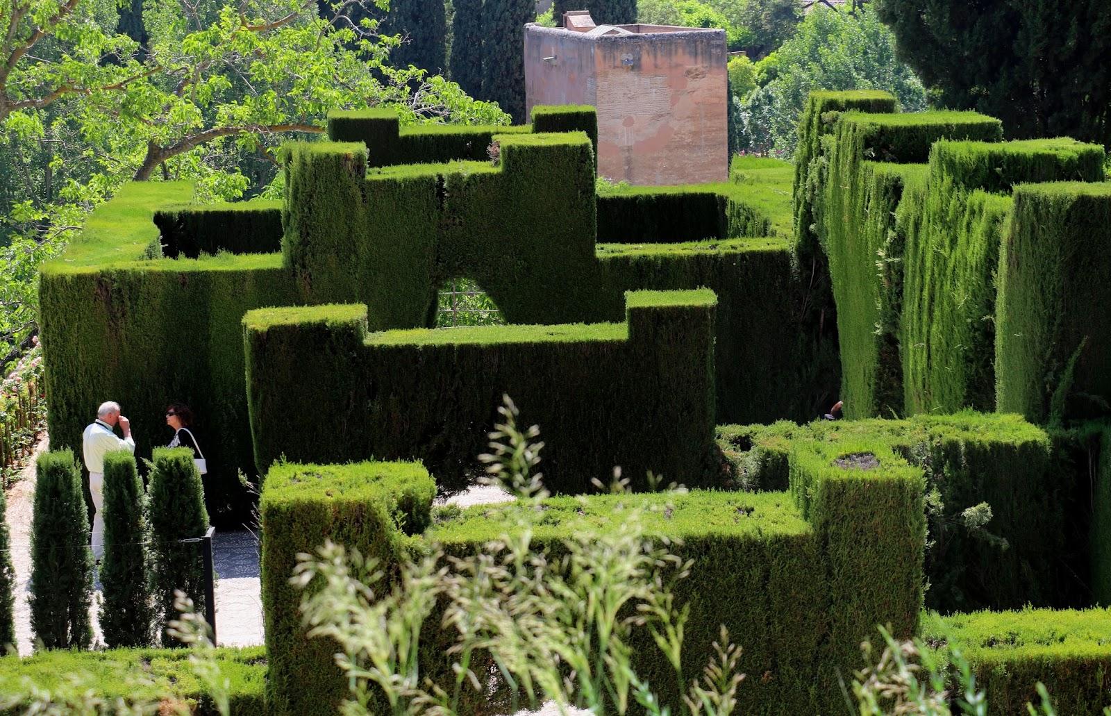 Generalife garden tour alhambra granada history and for Generalife gardens