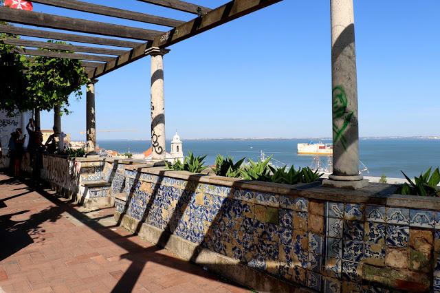Alfama_tour_Lisbon_3