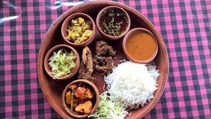 Earthen pot goan thali Must visit Goa restaurants
