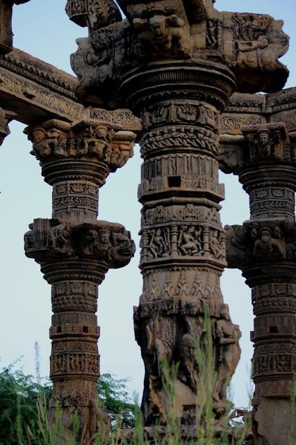 columns_kiradu_temples