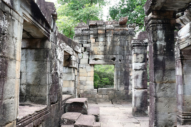 Hall of the Dancing Girls Banteay Kdei