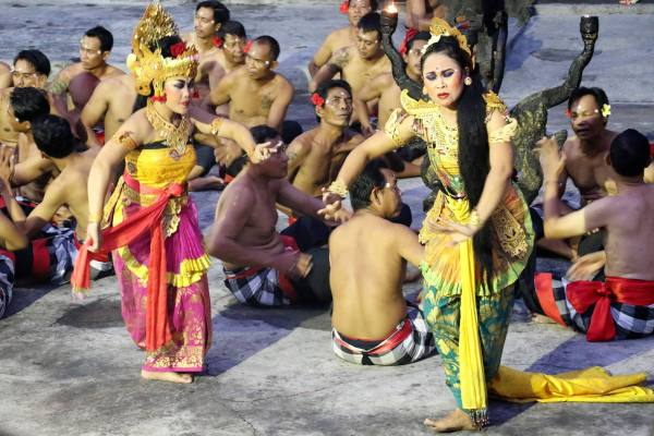 Must do things in Bali - Balinese Dance