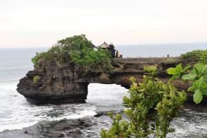 Must do things in Bali - Tanah Lot Temple Ubud Bali Indonesia
