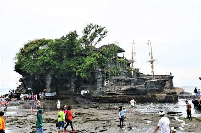 Tanah Lot Temple and Batu Bolong Temple
