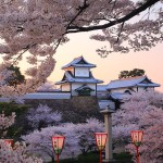 When is The Best Season and Free Admission at Kenroku-en Garden in Kanazawa-city in Japan ?