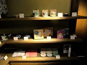 higashiyama-cafe-tamon-goods