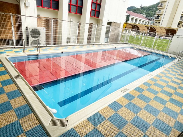 施設・プール