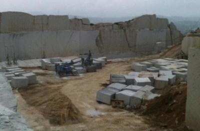 rosa-beta-granite-quarry-block-177b