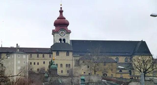 Nonnberg-Abbey-where-Maria-was-a-novice1