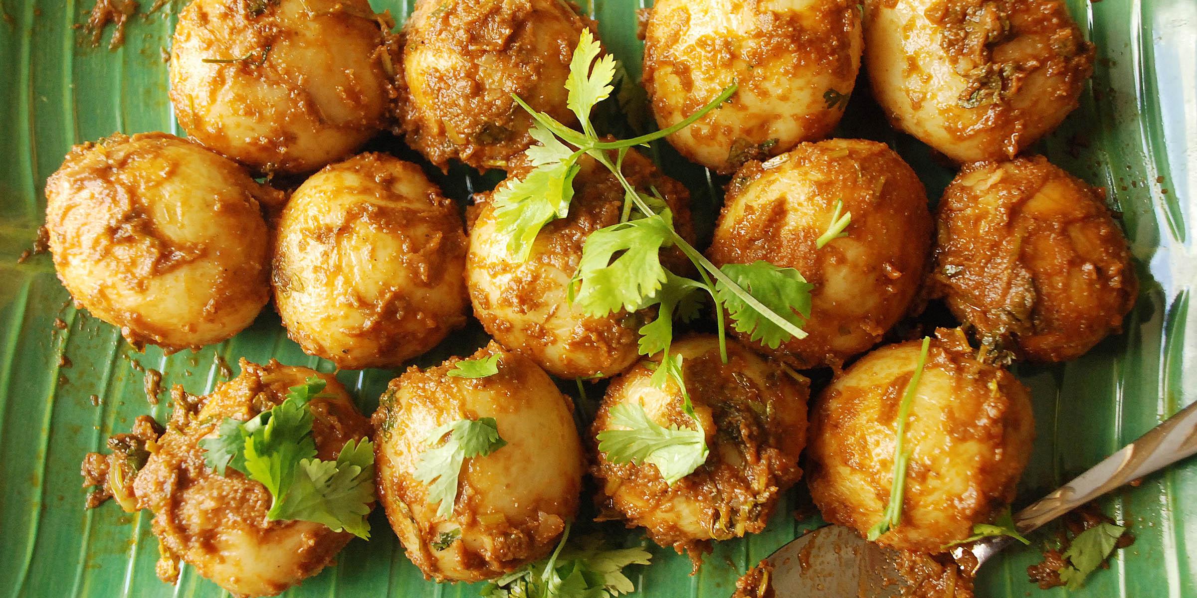 Kolkata style spicy Aloor Dum with baby potatoes