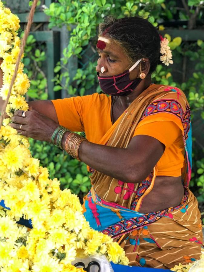 A roadside flower vendor in Thiruvanmiyur